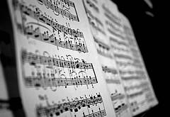 Picture: Mozart Sonata, by Monica Liu, 2009 (CC BY 2.0)