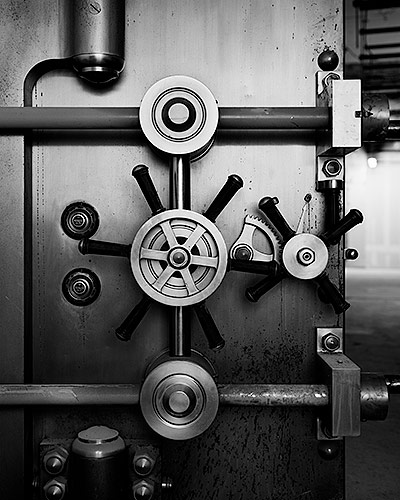 Gears of a Vault