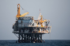 Oil_Drilling_Platform_Mike_Baird_Flickr_Creative_Commons