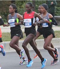 image_of_women_running_in_Chicago_Marathon3