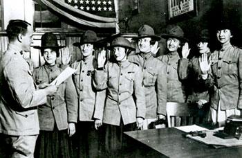 Photo of World War One Women Marines taking the oath.