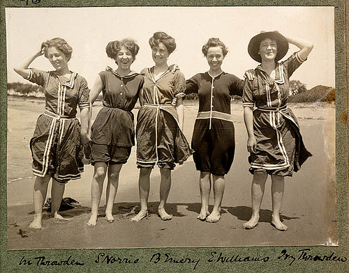 Old photo of women in bathing suits