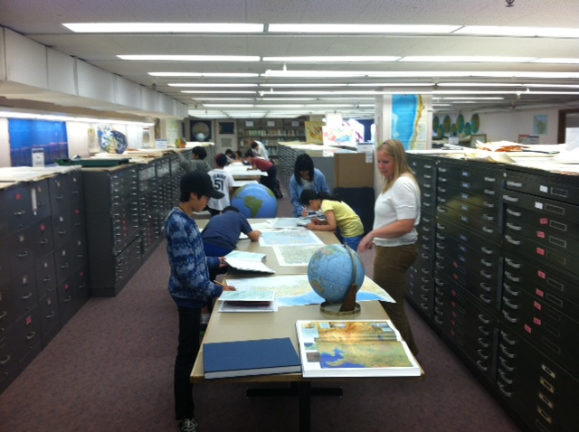 Korean students visit map collection