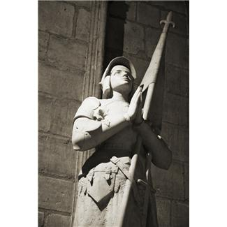 photo of statue of Joan of Arc