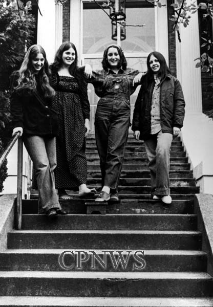 Women outside the YWCA of Bellingham Building, 1974