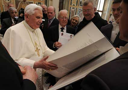 Pope Benedict XVI and the Saint John's Bible