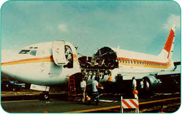 Aloha Airlines 737 lost forward fuselage