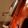 Image de quelqu'un qui joue un cello.