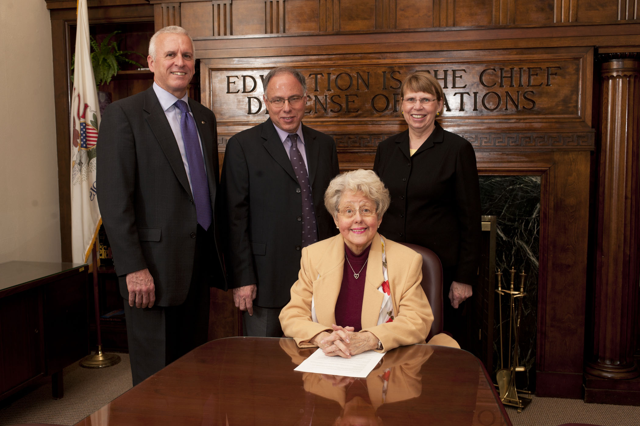 Dr. Elizabeth A. Kaspar (center)