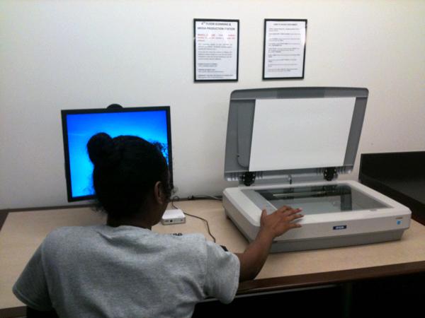 scanning station for grad students