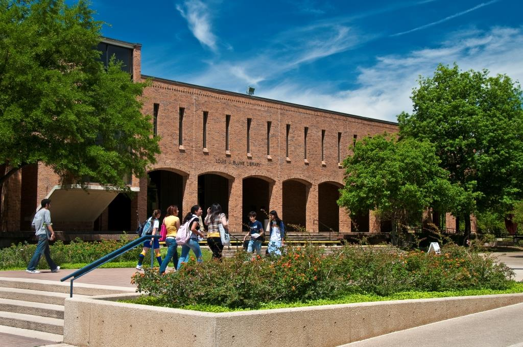 Blume Library east exterior with students