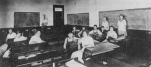 Classroom Menlo 1910