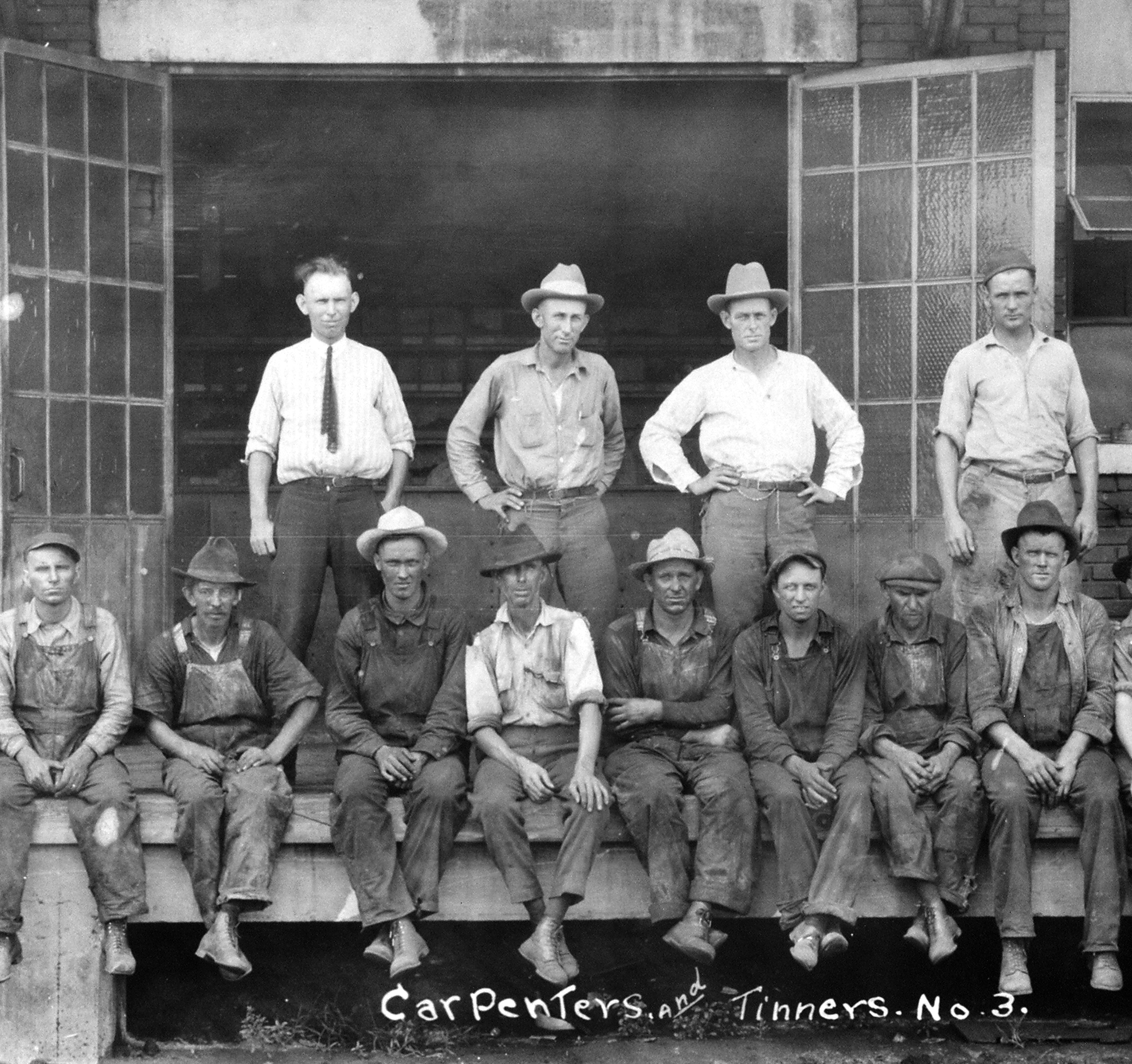 cosden refinery image of employees