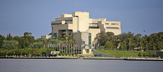 [Alex Proimos, 'High Court of Australia', CC Licence: CC BY-NC 2.0 (http://creativecommons.org/licenses/by-nc/2.0/), Image Source: flickr (http://www.flickr.com/photos/34120957@N04/6769096715/)]