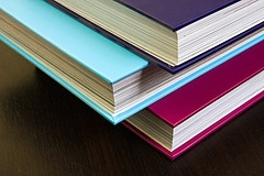 Hoira Varlan, Coloured books' , 2008, CC BY 2.0, (http://creativecommons.org/licenses/by/2.0/deed.ed), Image source Flickr (http://www.flickr.com/photos/horiavarlan/4268896936/)