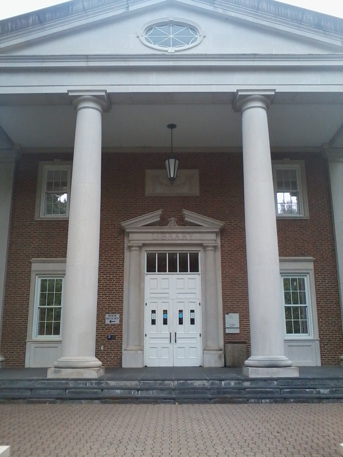 Fintel Library entrance