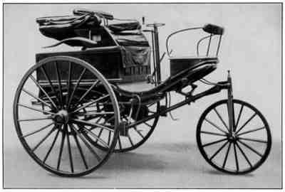 Motorwagen Serienversion (http://upload.wikimedia.org/wikipedia/commons/0/0c/Motorwagen_Serienversion.jpg)