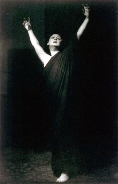 Isadora Duncan (courtesy Wikimedia Commons)