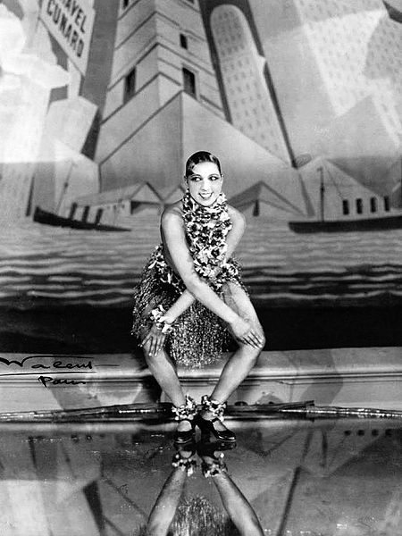 Josephine Baker dancing the Charleston at the Folies Bergere, Paris, 1926 (Courtesy Wikimedia Commons)