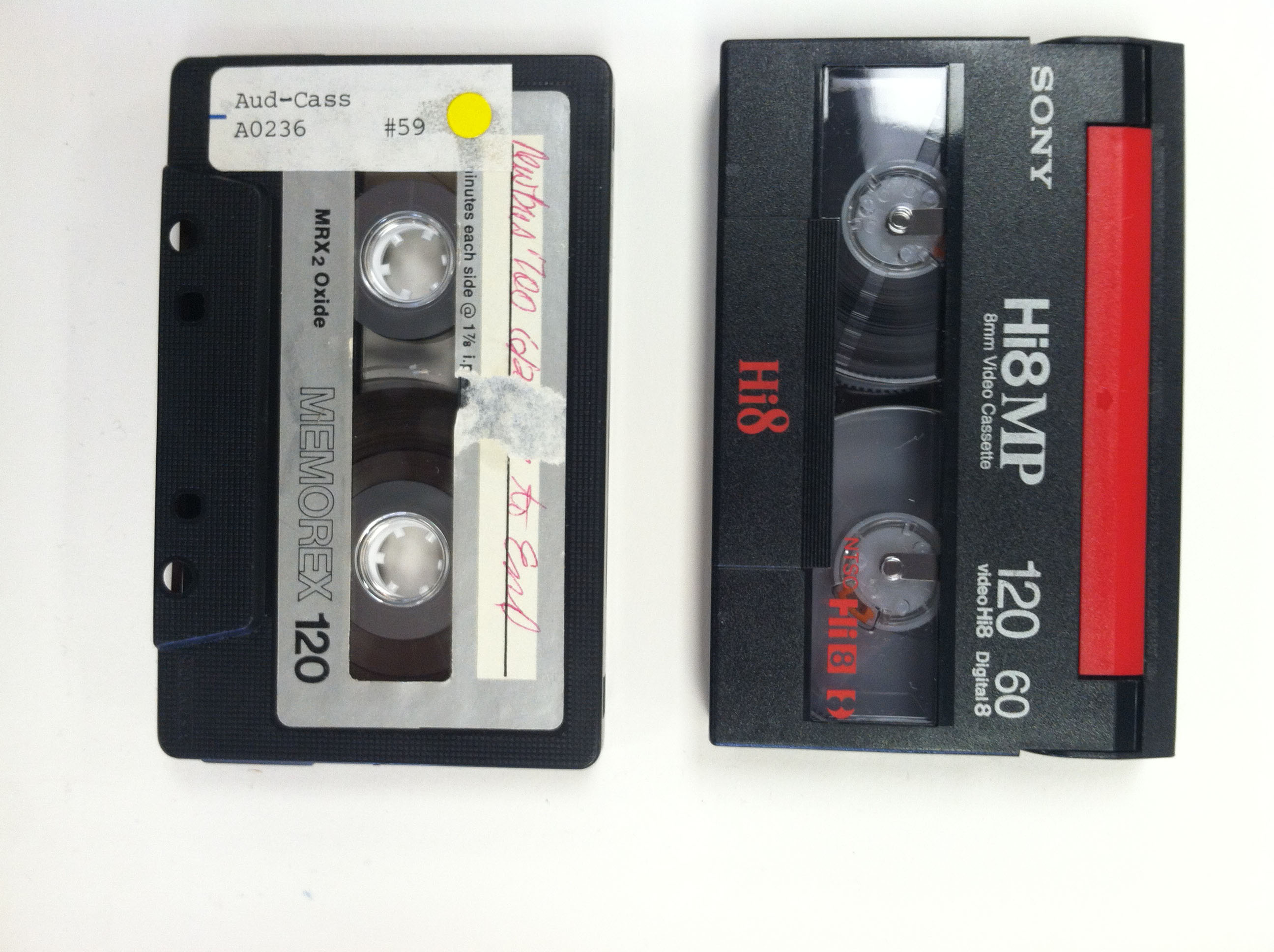 Hi 8 vs Audiocassette for size