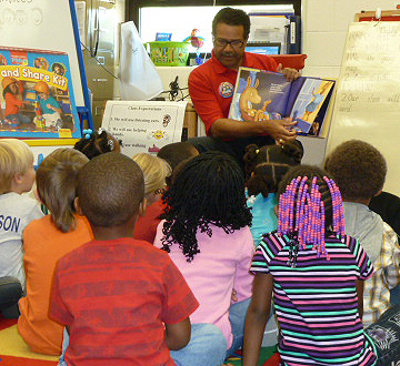 Mayor Price reading to Watkins Early Childhood students.jpg