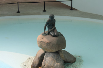 Sculpture in the Danish Pavilion.