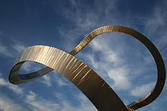 Infinite loop sculpture