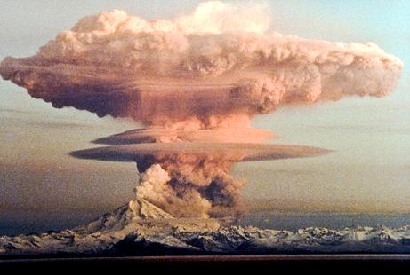 Alaska Redoubt Erupts