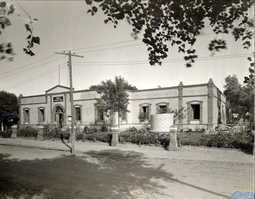 original Escuela de Agricultura Hermanos Escobar