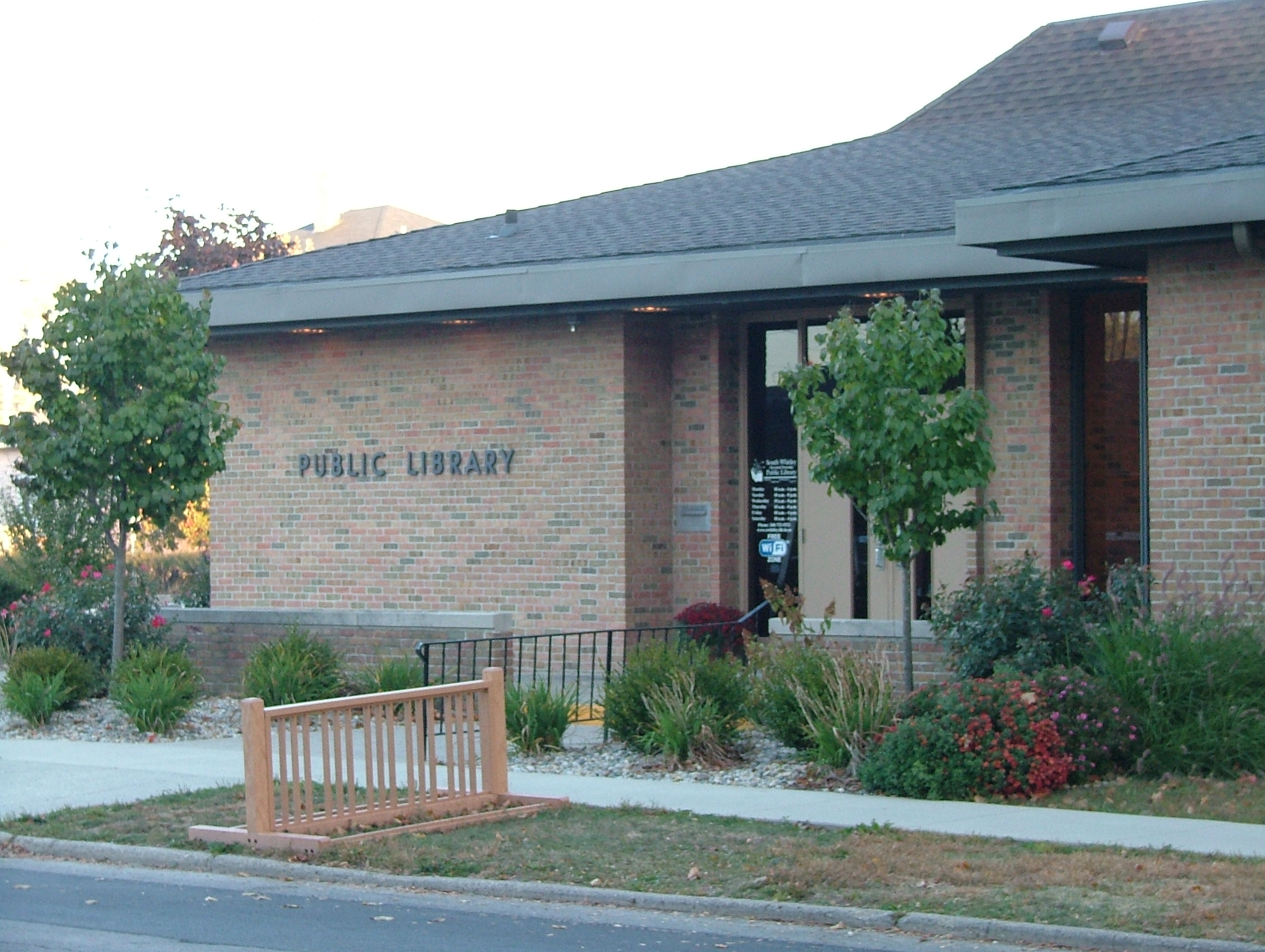 South Whitley-Cleveland TWP Public Library