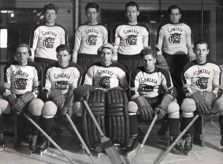 Item 108: Hockey Team, 1939