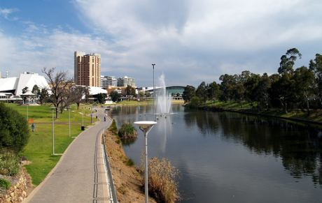 Adelaide near river Torrens [Image: Syed Abdul Khaliq (obskura) 2007, Adelaide City, http://www.flickr.com/photos/mixedmedia/1401761924/, CC BY 2.0, http://creativecommons.org/licenses/by/2.0/deed.en, source: flickr]