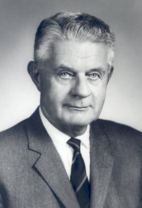Dr. Maxwell Lapham