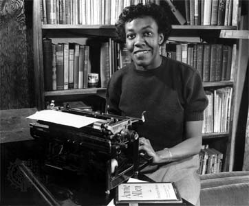 http://www.inspirational-black-literature.com/images/gwendolyn-brooks.jpg