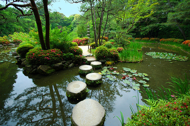 Rokuon-ji Temple Garden in Kyoto; photo courtesy of Flickr cc/Thinboyfatter