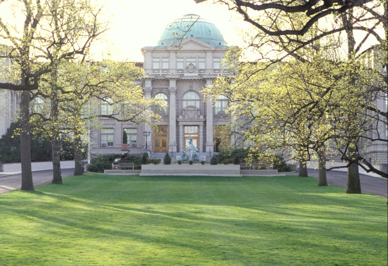 Lawn and allee in front of Library Building at NYBG