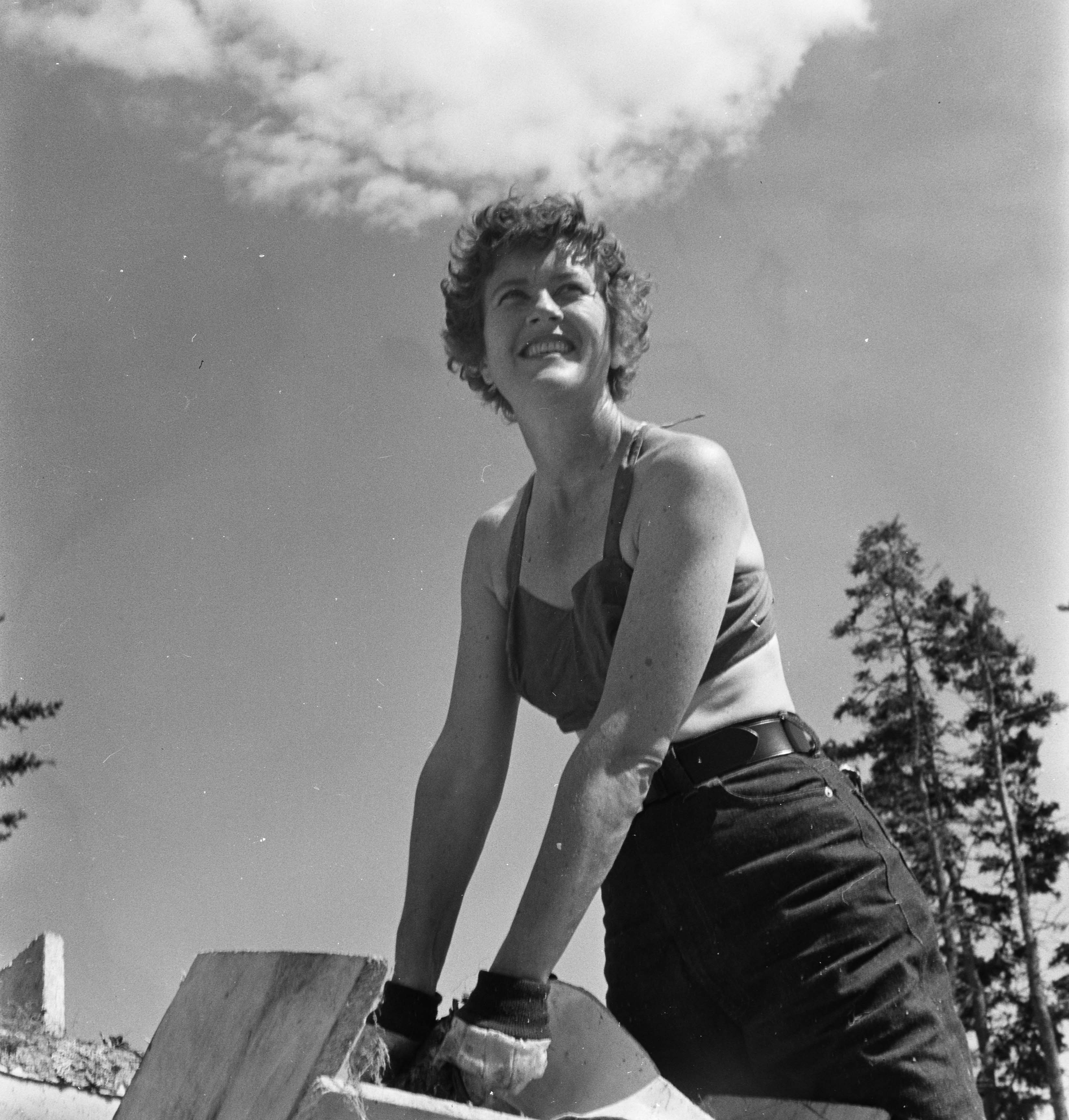 Julia Child in Maine, 1951. Photo by Paul Child.