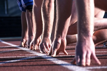 picture of runners at starting line