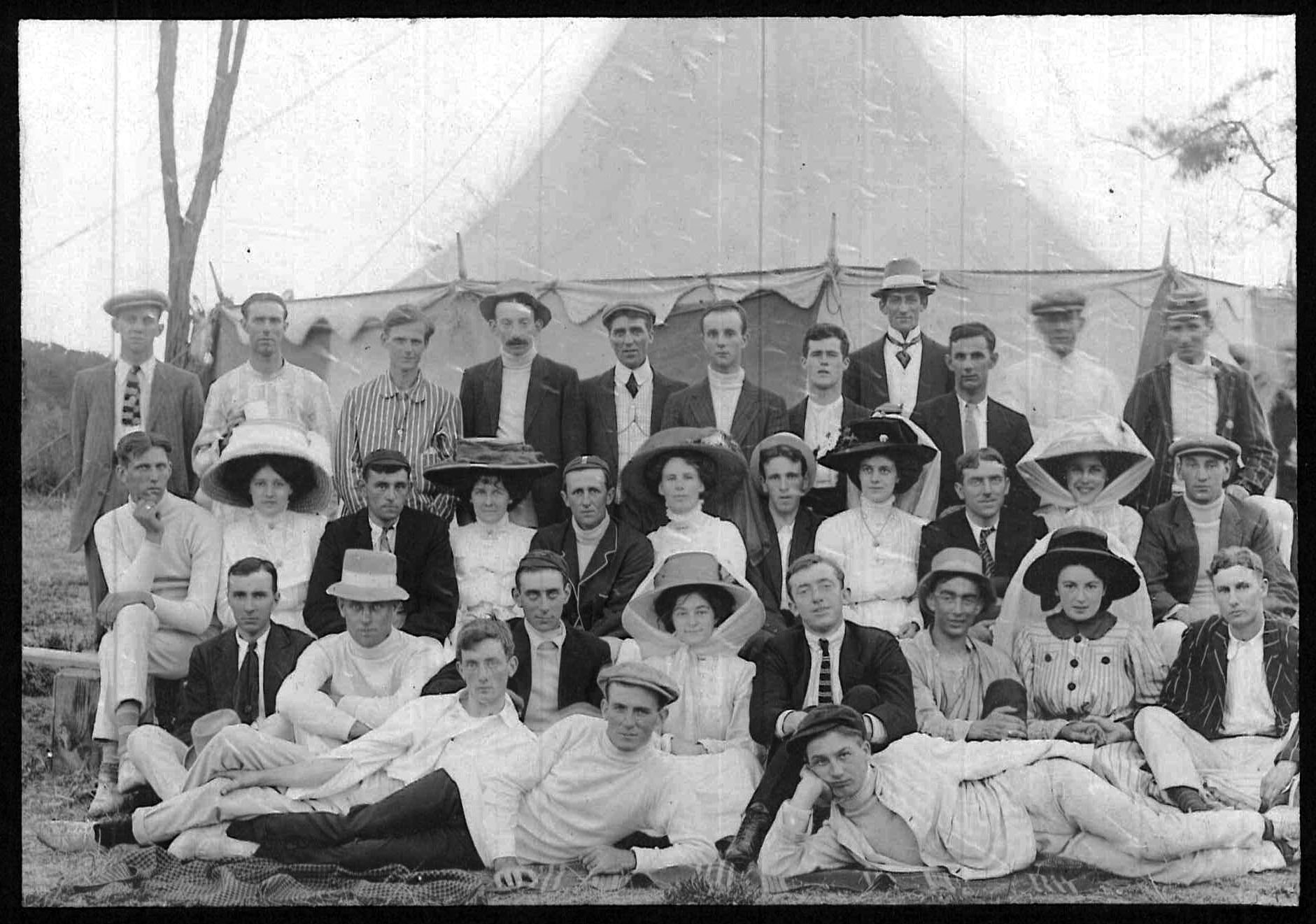 Group of people, c.1910, Essendon