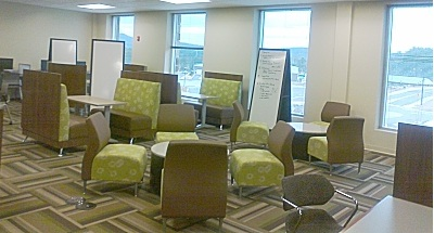 Photo of Learning Commons seating.
