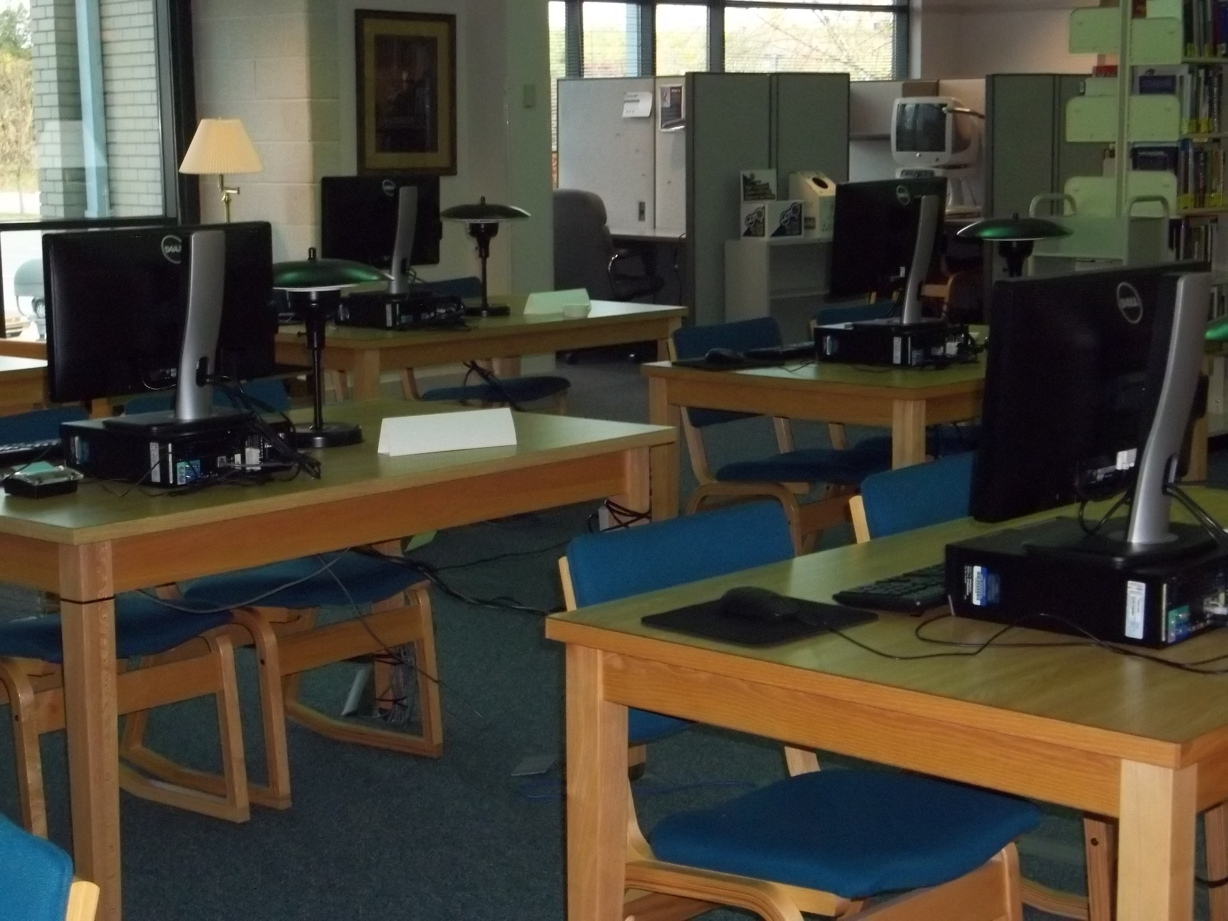 Stafford Library computers