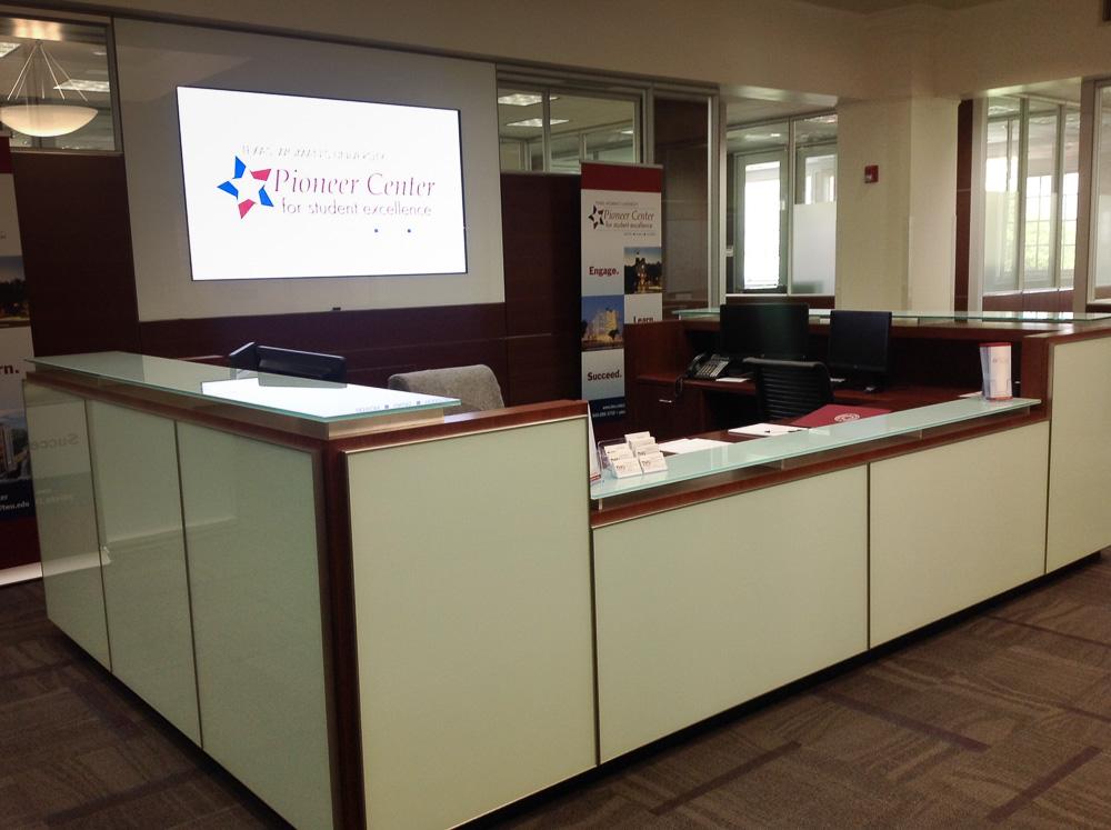 Pioneer Center Desk
