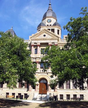 denton county courthouse-on-the-square