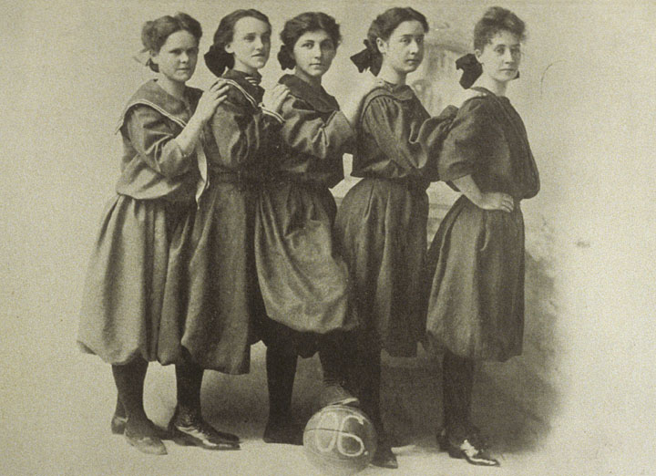 1906 woman's basketball team