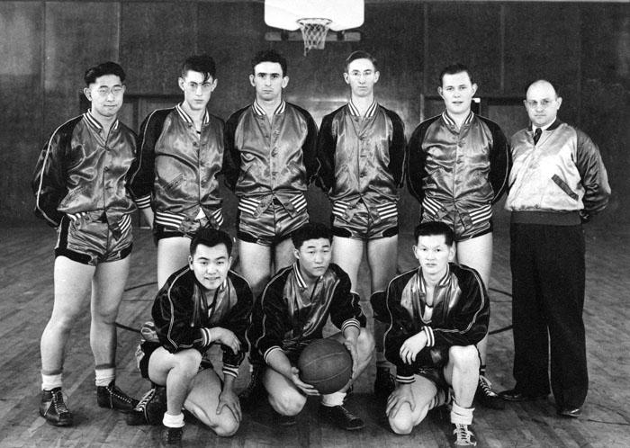 Whitworth College Men's Basketball Team, 1944