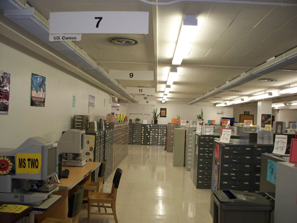 microform and microfiche lab at Holland Library WSU