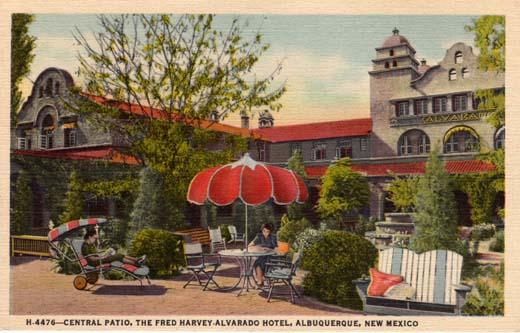 Central Patio, Alvarado Hotel