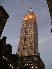 Empire state building [Image: Adiazmesa (Antonio) 2007, Empire State Building, https://www.flickr.com/photos/adiazmesa/2063345341/, CC BY-NC-SA 2.0, https://creativecommons.org/licenses/by-nc-sa/2.0/deed.en, source: flickr]