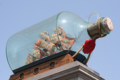 [Andy Field, 'Yinka Shonibare's 'Ship in a bottle'', CC BY-NC-SA 2.0 (https://creativecommons.org/licenses/by-nc-sa/2.0/deed.en), Image Source: flickr (https://www.flickr.com/photos/hubmedia/5673440032/)]