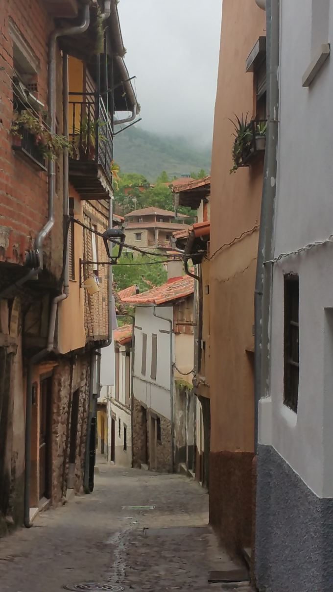 The tiny streets of the mostly undeveloped town of Baños de Montemayor. Photo: Bert Archer